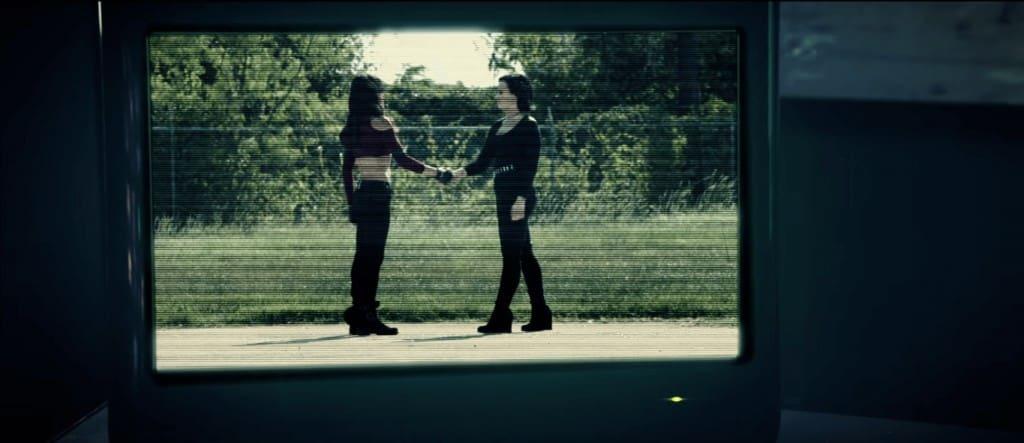 Смысл клипа Demi Lovato - Confident