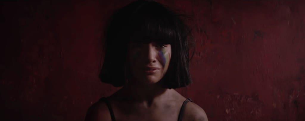 Смысл клипа Sia — The Greatest