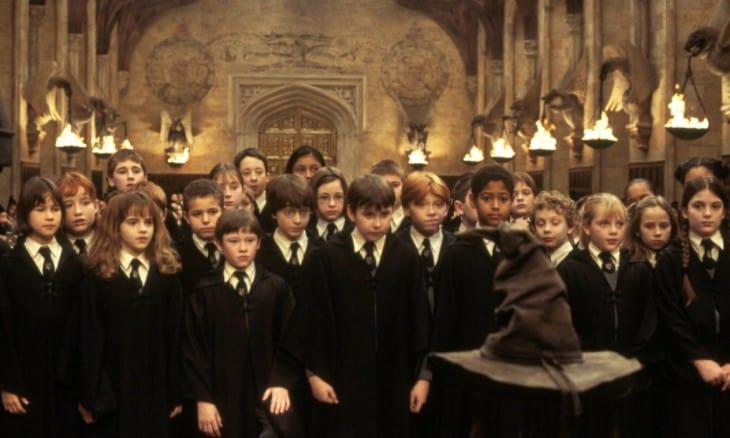 Гарри Поттер и философский камень (2001)- режиссёр Крис Коламбус