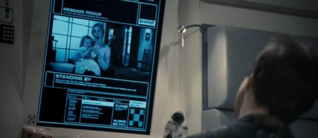 Луна 2112 (2009) - скрытый смысл и разбор сцен фильма