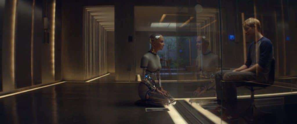 Из машины (Ex machina, 2015) смысл фильма и объяснение