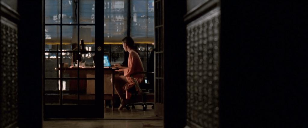 Ровена подбирается к Хиллу с двух сторон: как секретарша и подружка по анонимной секс-переписке