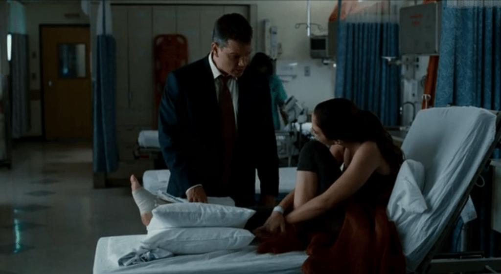 Повинуясь требованиям Бюро, Дэвид бросает Элизу тогда, когда нужен ей сильнее всего