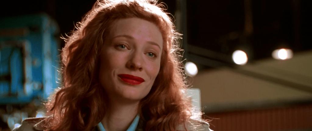 Образ Кэтрин Хепберн проходит красной линией через весь фильм, хотя женой Хьюза она так и не становится