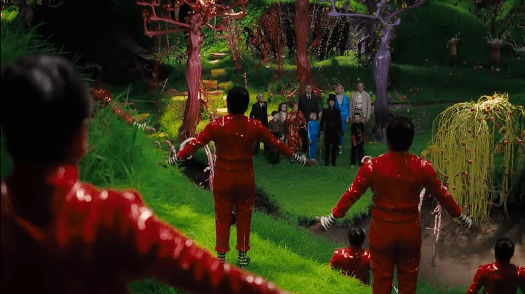 Над сказочными декорациями создатели фильма потрудились на славу, причем многие из них были действительно съедобными