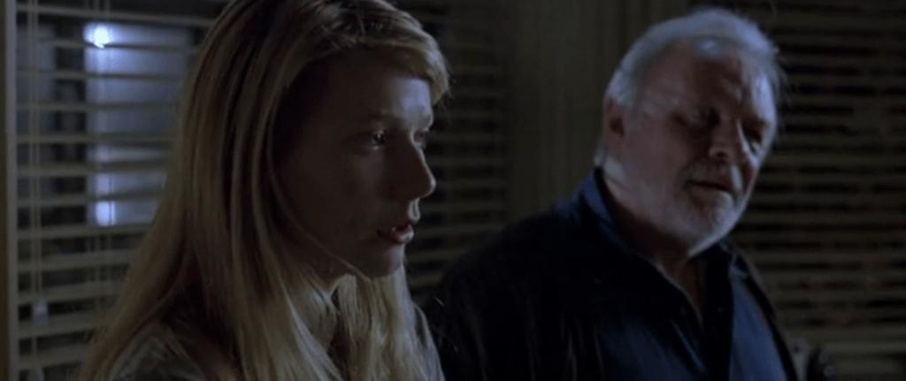 Фильм начинается с того, что Кэтрин разговаривает с призраком недавно умершего отца, созданным ее воображением
